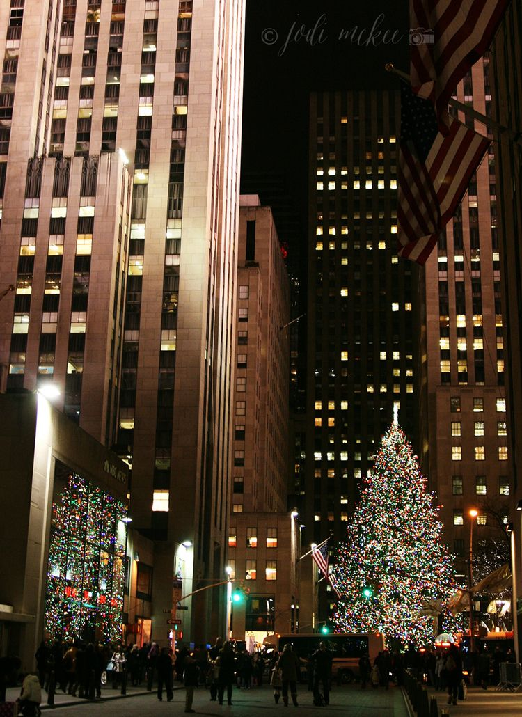 It S Christmas Time In The City A Free Wallpaper Download Jodi Mckee Rockefeller Center Christmas Tree Rockefeller Center Christmas Christmas In The City