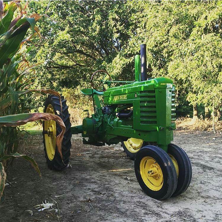 John Deere B Hood : John deere b face da hood pinterest tractor