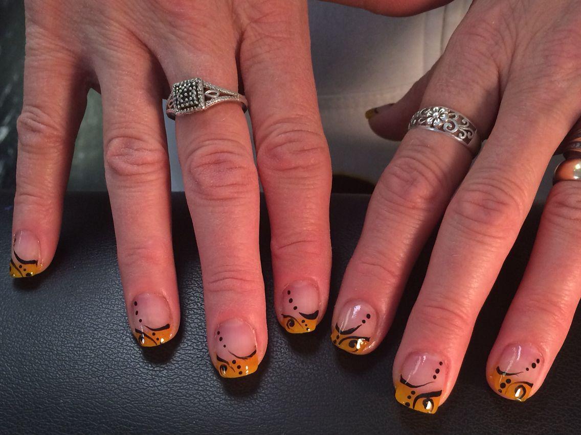 Iowa Hawkeyes Nails by April Shilkus @ Fonda\'s Salon in Ottumwa Iowa ...