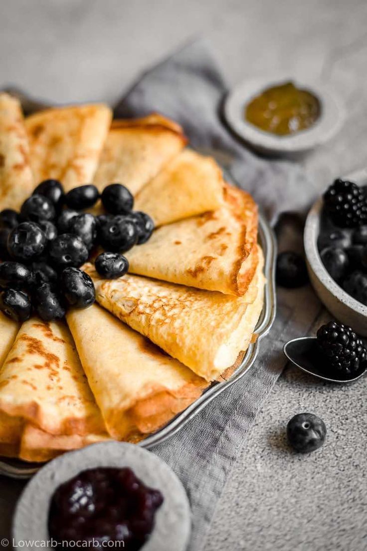 Low Carb Keto Almond Flour Crepes with Creme Cheese #lowcarbeating