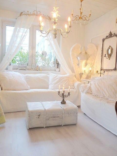 Shabby Chic/weißer Koffer. Wohn Esszimmer, Landhaus Deko ...
