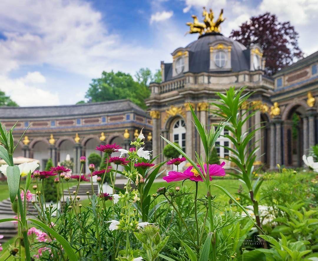 Am Wochenende Wird Es Sommer In Der Eremitage Summer Is Arriving In Bayreuth This Weekend Christianehoeltschl Fotografie House Styles Bayreuth Mansions