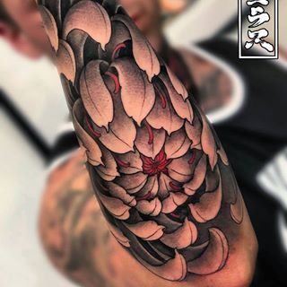 Chrysanthemum Sleeve By Nicklaswestin Japanese Tattoo Chrysanthemum Tattoo Tattoos