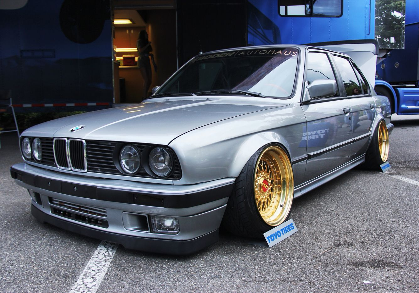 BMW e30 stance wars
