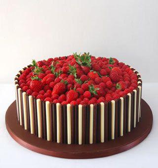 Strawberry and chocolate finger cake Baking Pinterest
