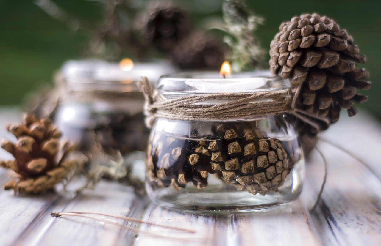 resultado de imagen para decoracion navidad rustica - Adornos De Navidad Con Pias