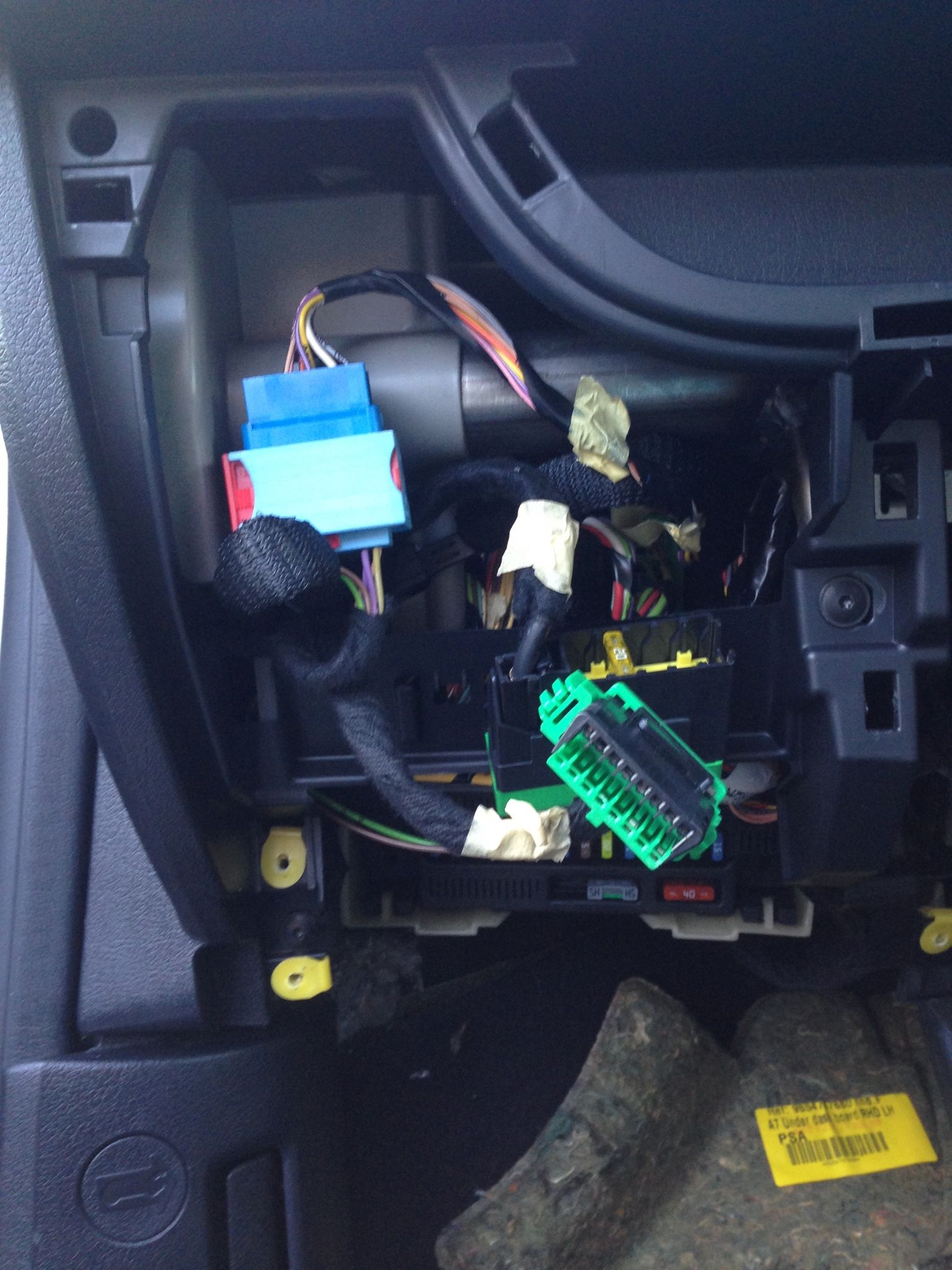 Fuse Box Location Peugeot 206