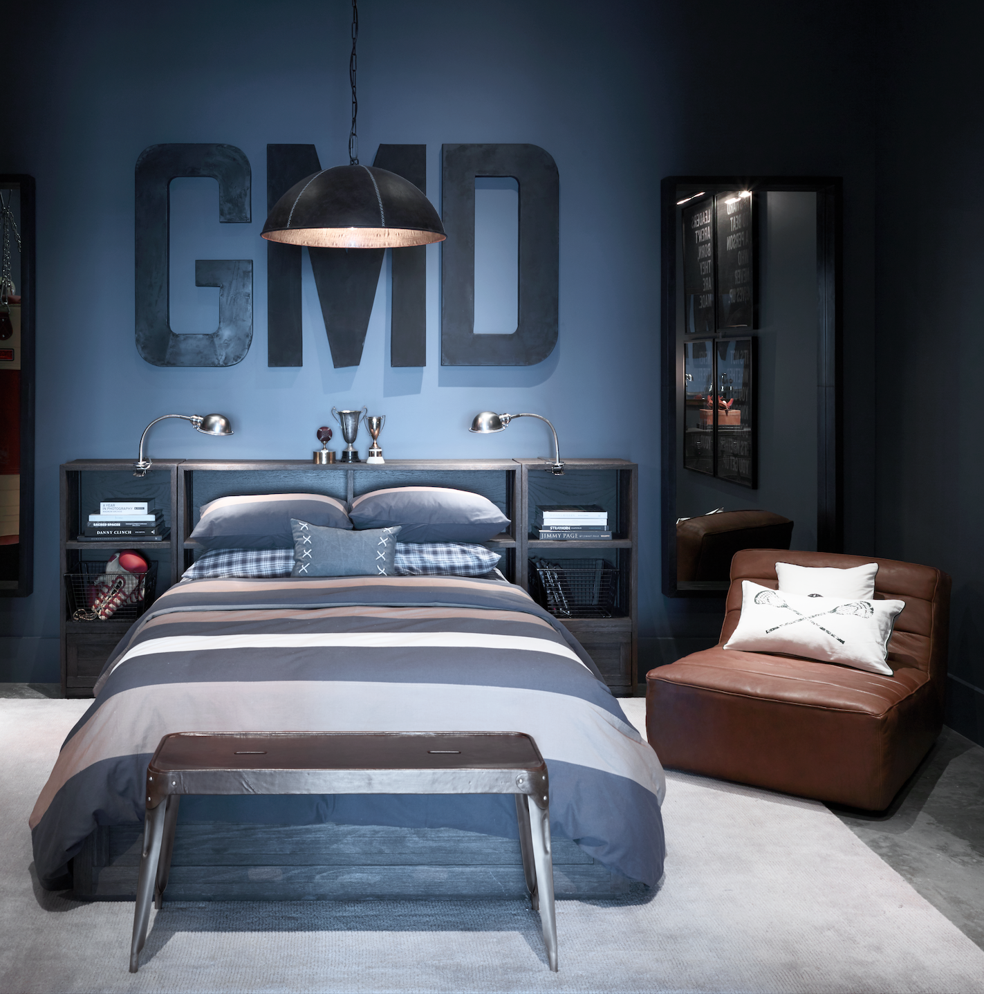 RH Tampa: The Gallery at International Plaza | Diseño de ... on Teenage Guys Small Room Ideas For Guys  id=47868