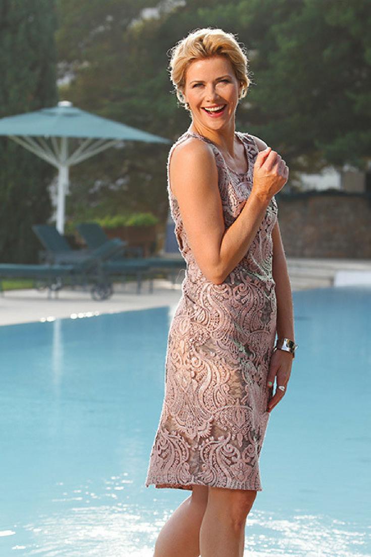 Elegante Abendmode: Schicke Kleider, die Sie verzaubern  Elegante