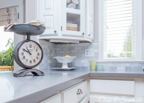 Schöne Weiße Küche Mit Steingrau Quarz Countertops  ... #countertops #kuche  #