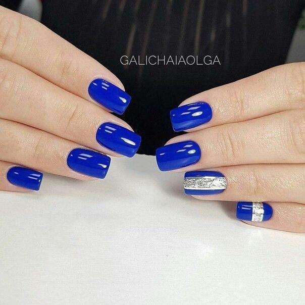 Pin De Gloria Amparo En Uñas Azul Eléctrico Manicura De