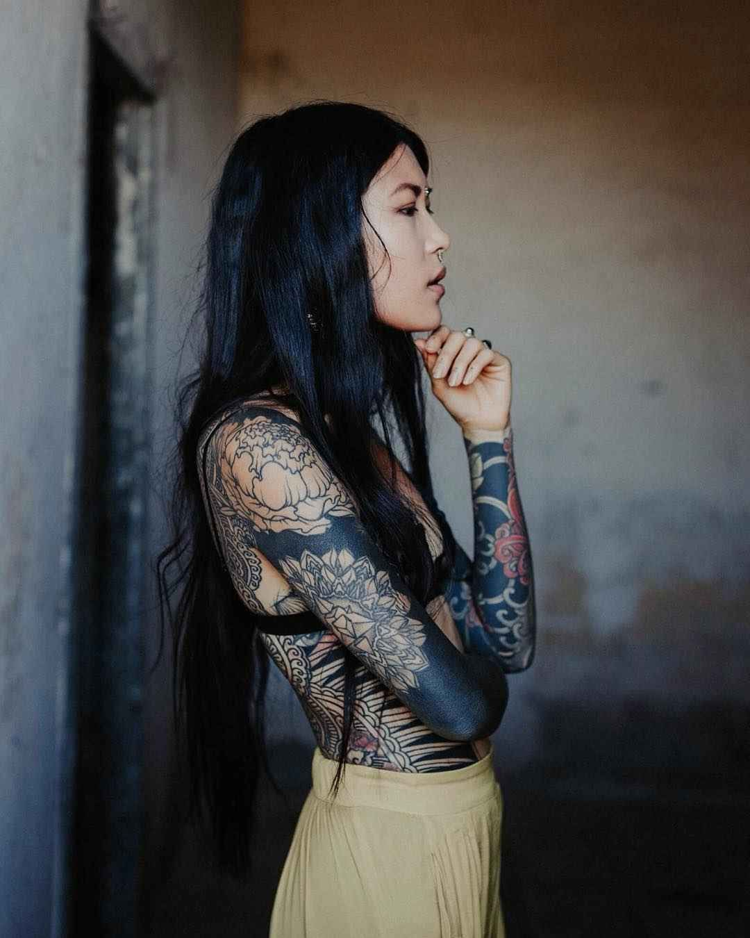 Tattoo model Anh Wisle