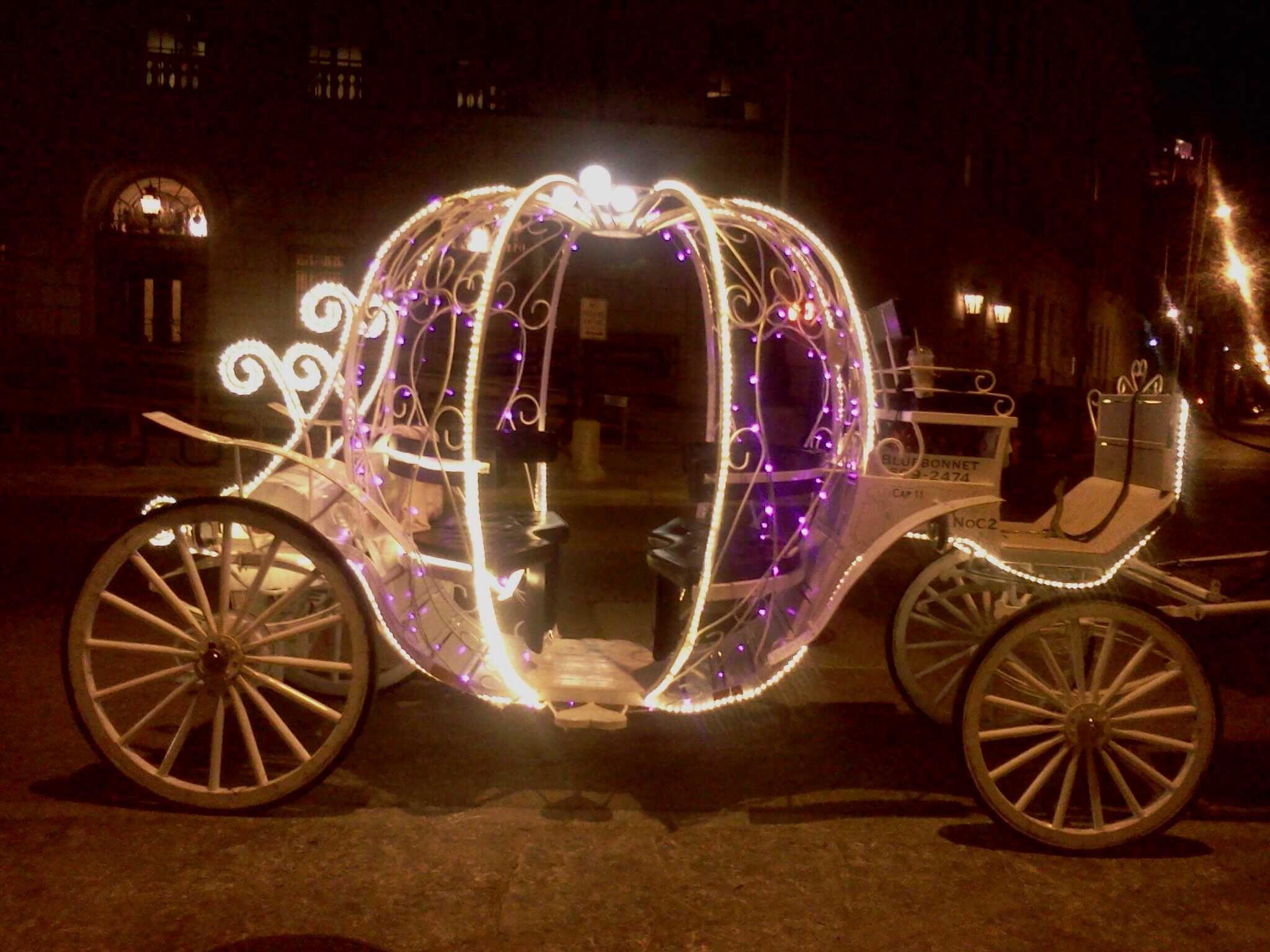 Horse carriage at night. San Antonio Antique cars, Horse