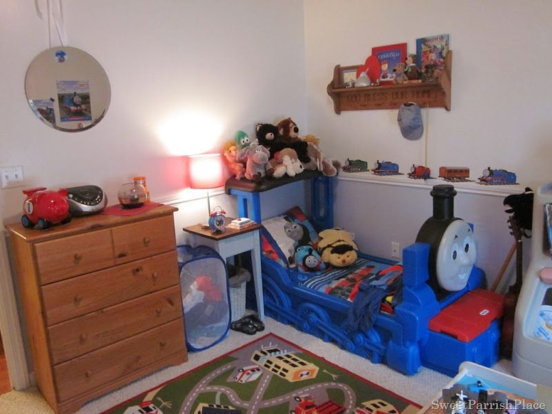 Thomas The Train Bedroom Toddler Bed Bedrooms And Kids Rooms