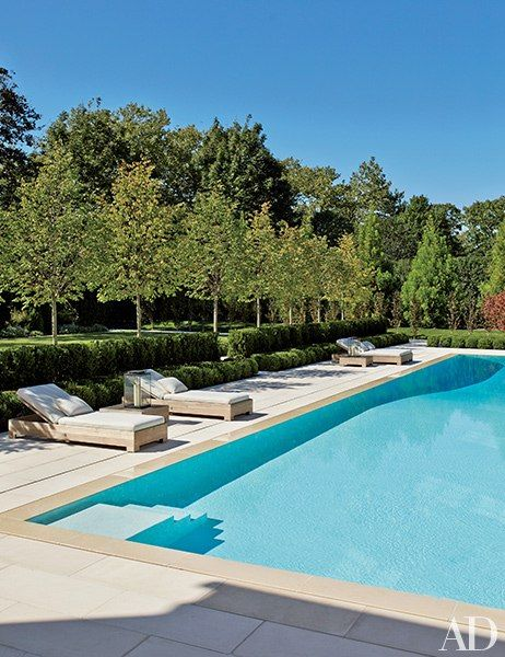 A Picturesque Retreat In Southampton Pool Landscape Design Pool Landscaping Hampton Pool