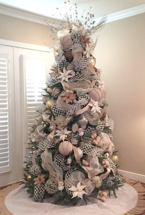 Artificial Christmas Trees B M Christmas Songs That Are Banned Many Farmhouse Chr Christmas Tree Themes Christmas Tree Inspiration Gold Christmas Decorations