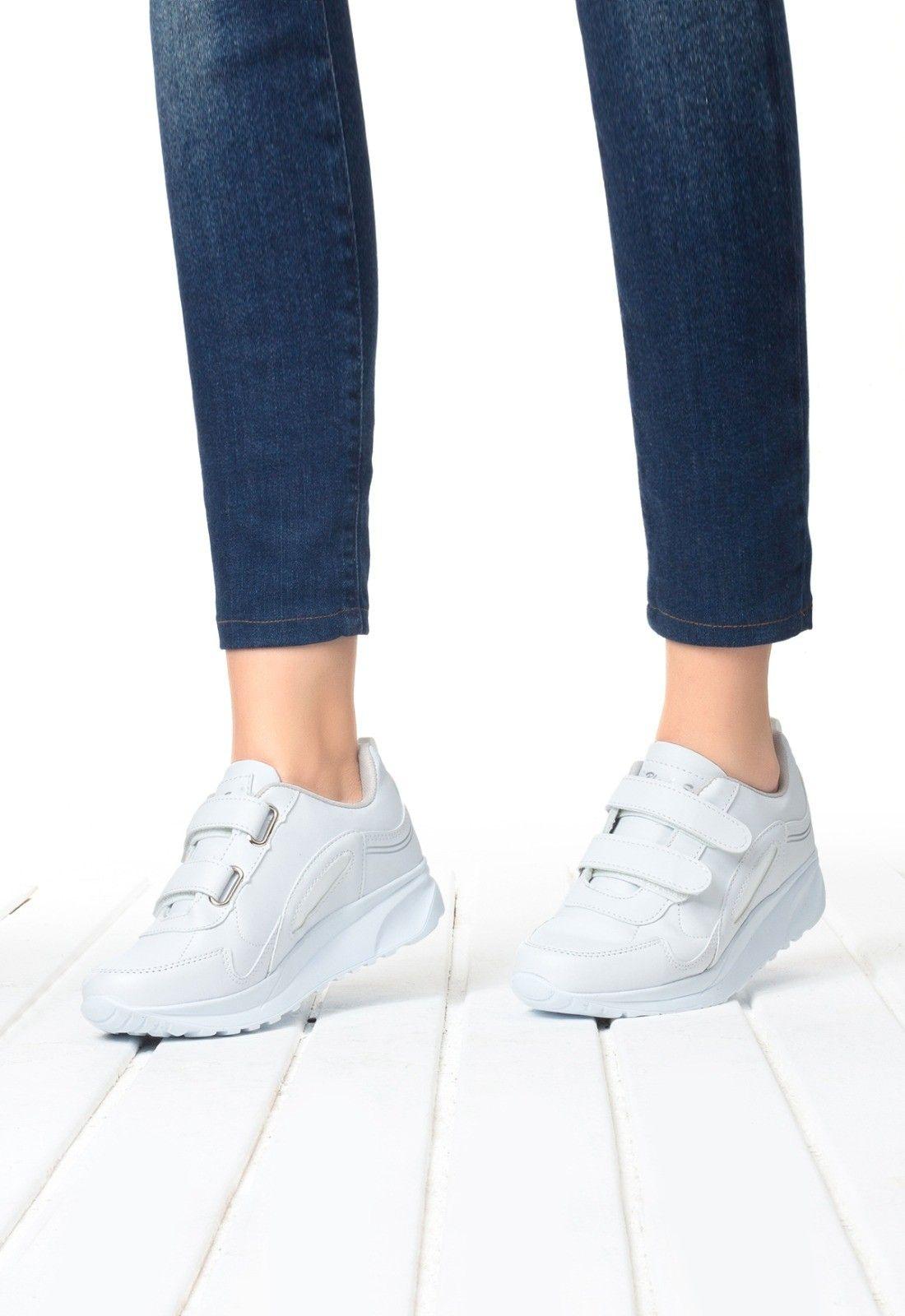 Indirimli Ayakkabi Adli Kullanicinin Shoes Panosundaki Pin Ayakkabilar Ayakkabilar Spor