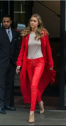 36b147e9ecd2a5 Fashion Week 2016, Red Pants, Leather Trousers, Celebrity Outfits, Sweater  Fashion