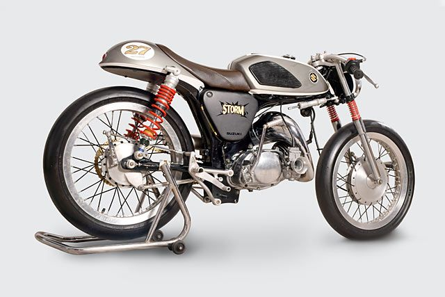 Suzuki A100 Wallpaper