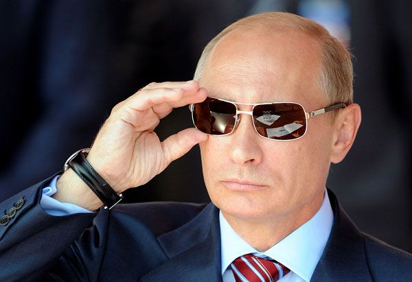 Putin Ascends On World Stage As Obama Lets America's Light Go Dim - Now The End Begins