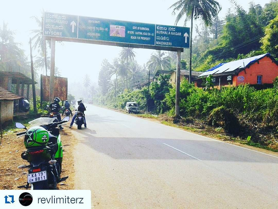 Scene from today's ride.  #Repost @revlimiterz with @repostapp  Yet another day yet another ride and in search of corners we end up in the Scotland of India Coorg aka. Madikeri  #RevLimiterZ #Mangalore #LifeStartsAtTheRedLine #MangaloreBiking #RevLimiterZMangalore  #Coorg #Madikeri #PDArmy