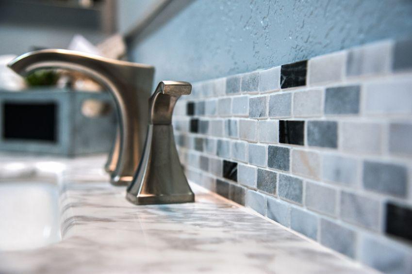 Badkamer Opnieuw Voegen : Zo houdt een kaars je badkamer schimmelvrij handige weetjes