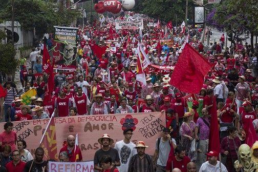O s    E s p i n h o s    d o     M a n d a c a r ú: Globo vai de capacete pra avenida Paulista, que é ...