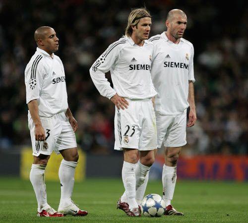 Roberto Carlos, David Beckham and Zinedine Zidane  l  Legends