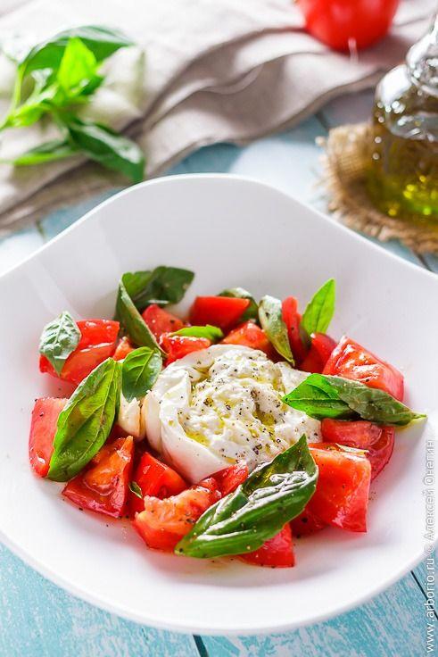 Рецепт салата с бурратой   Рецепты салатов, Салаты и Капрезе