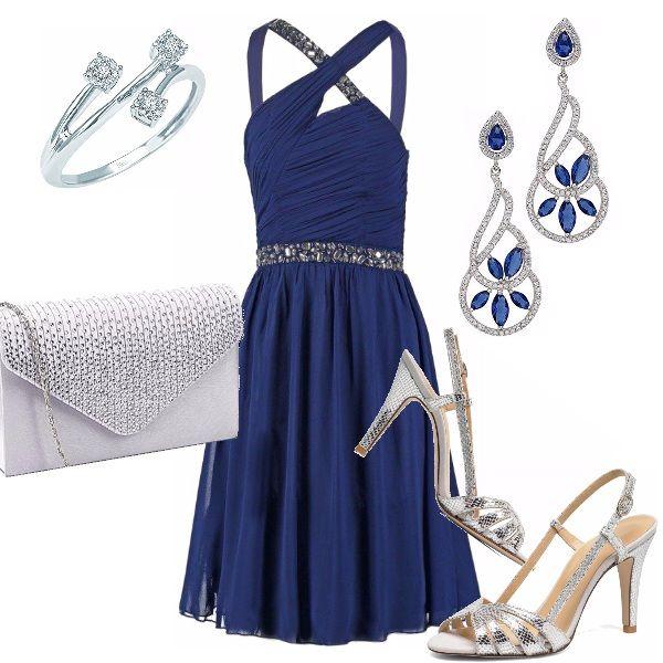 c446ee9fcdc1 L eleganza del blu si sposa con l argento! Abito blu longuette con gonna  ampia