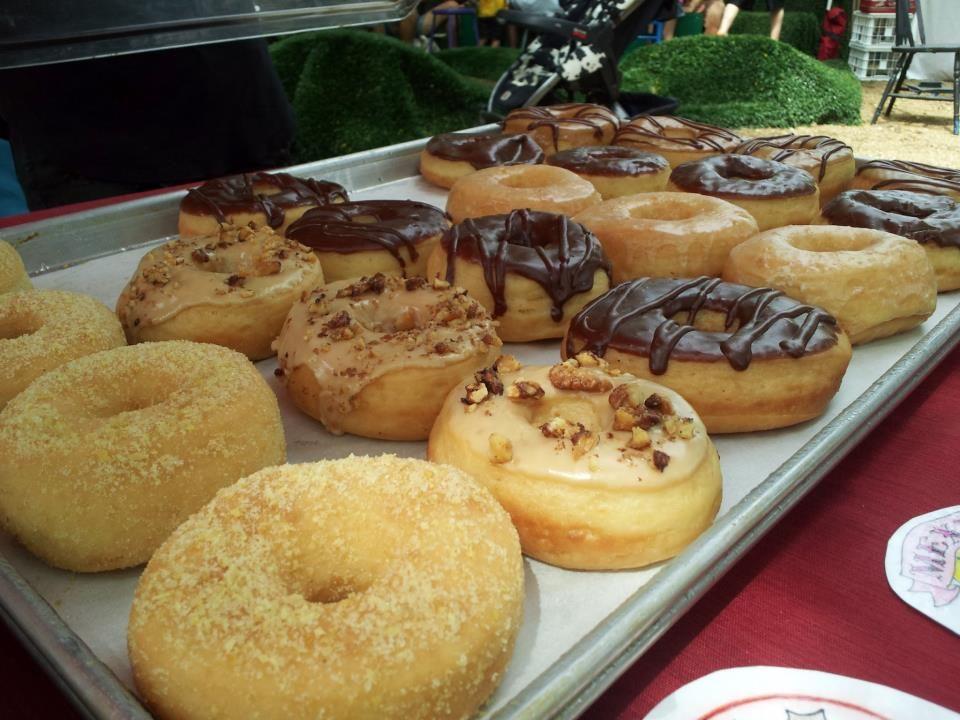Red Rabbit Cooperative Bakery Vegan Donuts At The Hope Farmers Market Vegan Bakery Vegan Desserts Vegan Donuts