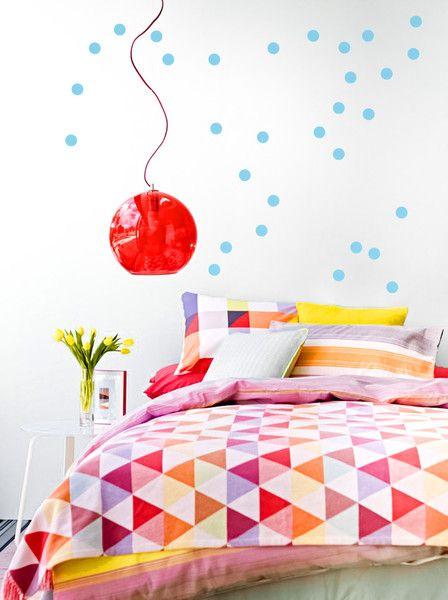 KONFETTI DOTS 60 Stk a 5cm in 35 Farben. Himmelblau für den Frühling. Wandsticker von Urban ART Berlin | Wandtattoo Wall ART