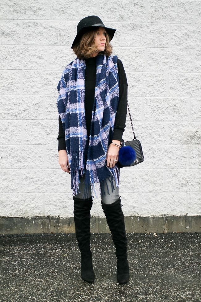 Monochromatic Black Outfit With Touches of Blue