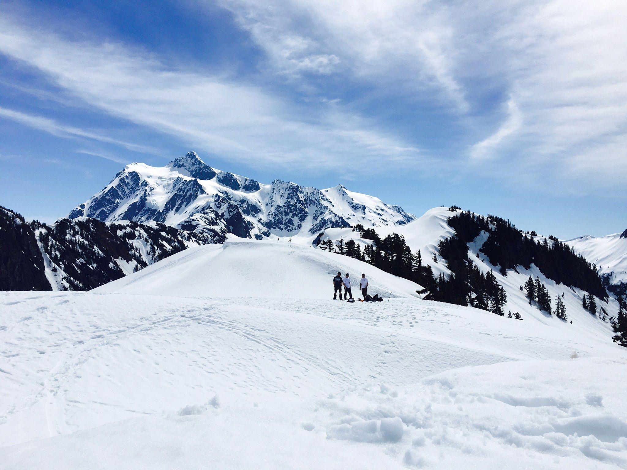 Snowshoers taking a break on Artist Point. Photo by marmot