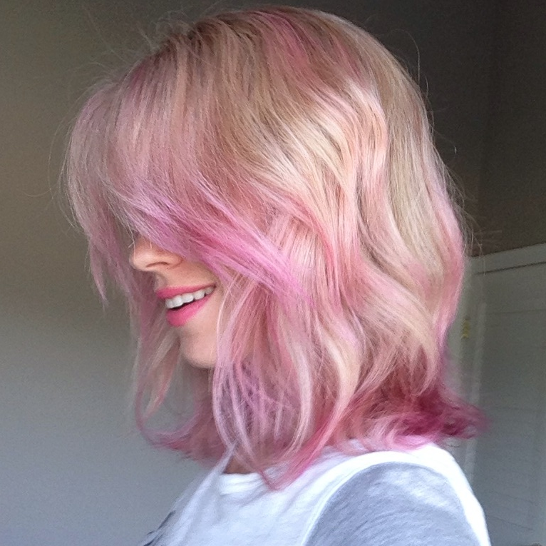 Brooke White Pink Hair Picture Taken After Freshly Colored How To Achieve This Look On Thegirlswithglasses Co Pink Ombre Hair Pink Hair Dye Pink Blonde Hair