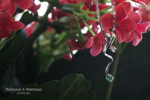 Emerald swirl pendant