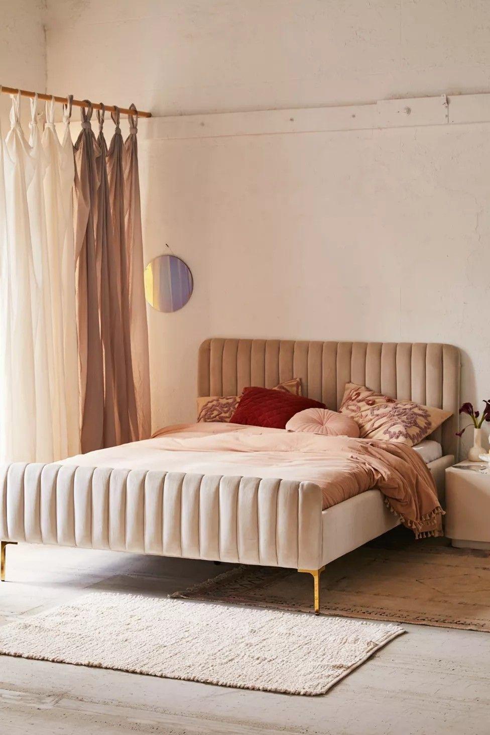 Curved Platform Bed California King Pale Pink Velvet