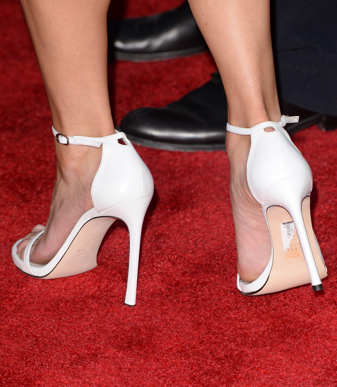 Anna fariss feet wikifeet stopy pinterest anna faris anna fariss feet wikifeet voltagebd Choice Image