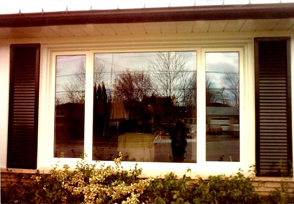 Large Front Windows The Halton Window And Door Company Georgetown Acton Milton Campbelville Erin Area In Ontario Canada