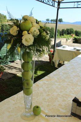 composizione+per+buffet+con+mele+verdi+e+fiori.jpg (266×400)