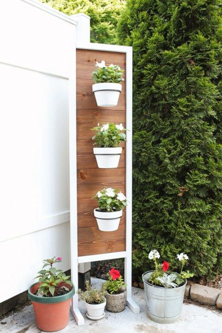 How To Build A DIY Vertical Planter Stand. Pretty Backyard Decor Idea For A  Vertical