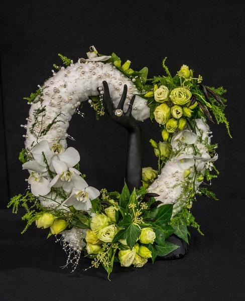 Romantic lee tait takapuna floral art club nz floral art designs romantic lee tait takapuna floral art club nz solutioingenieria Images
