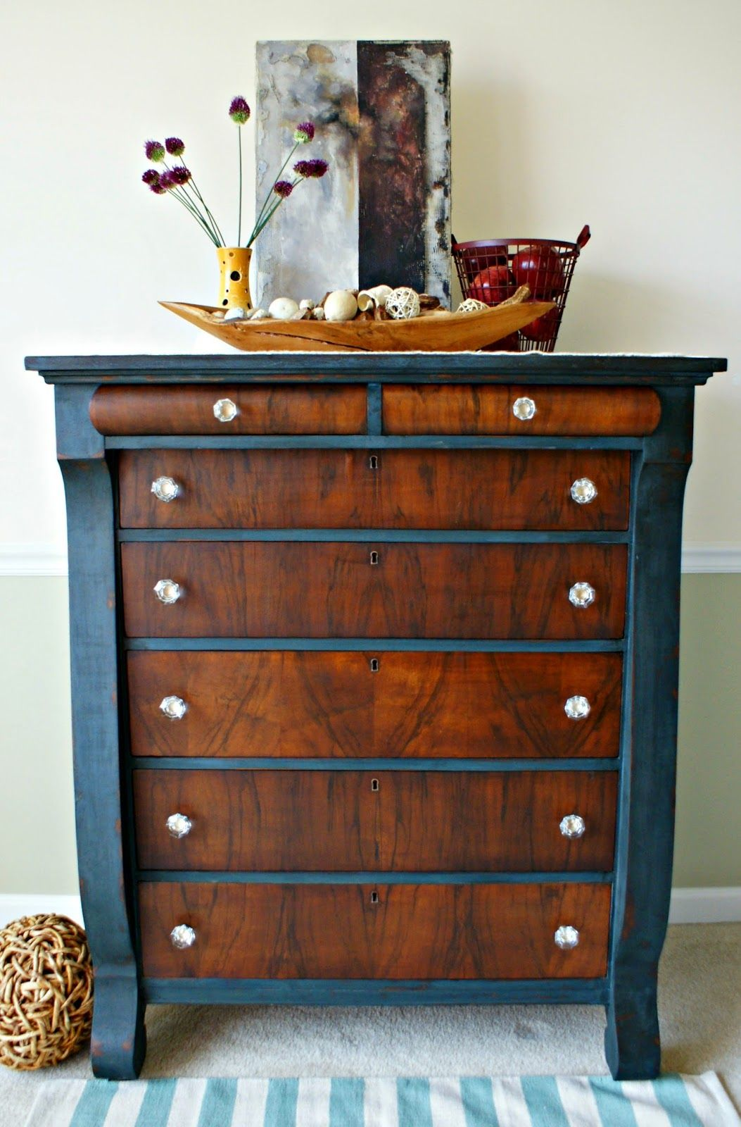 This is different - I really like it!   Paint & Moldings   Pinterest ...