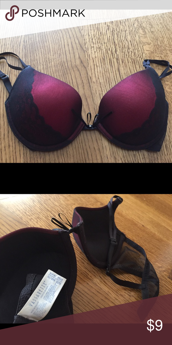 24e67d8ce3 Black and red bra w  mesh and lace detail 34B Black and red bra w  mesh and lace  detail 34B Vassarette Intimates   Sleepwear Bras