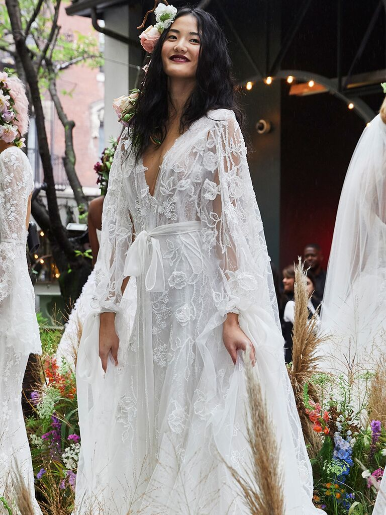 See Marchesa Wedding Dresses From Bridal Fashion Week Famous Wedding Dresses Wedding Dresses Marchesa Wedding Dress [ 1024 x 768 Pixel ]