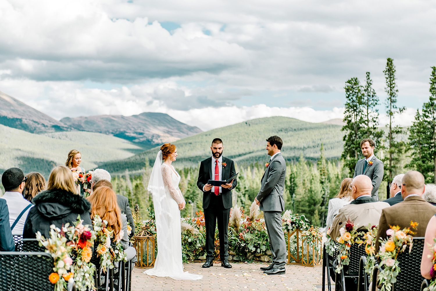 This Colorful Colorado Wedding was All About the Mountains
