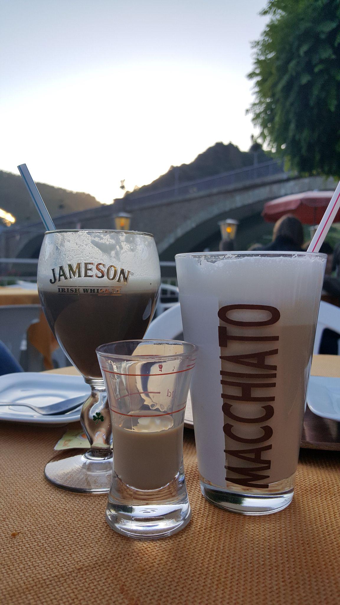 Irish Coffee, Latte Macchiato met Baileys. De perfecte combi.
