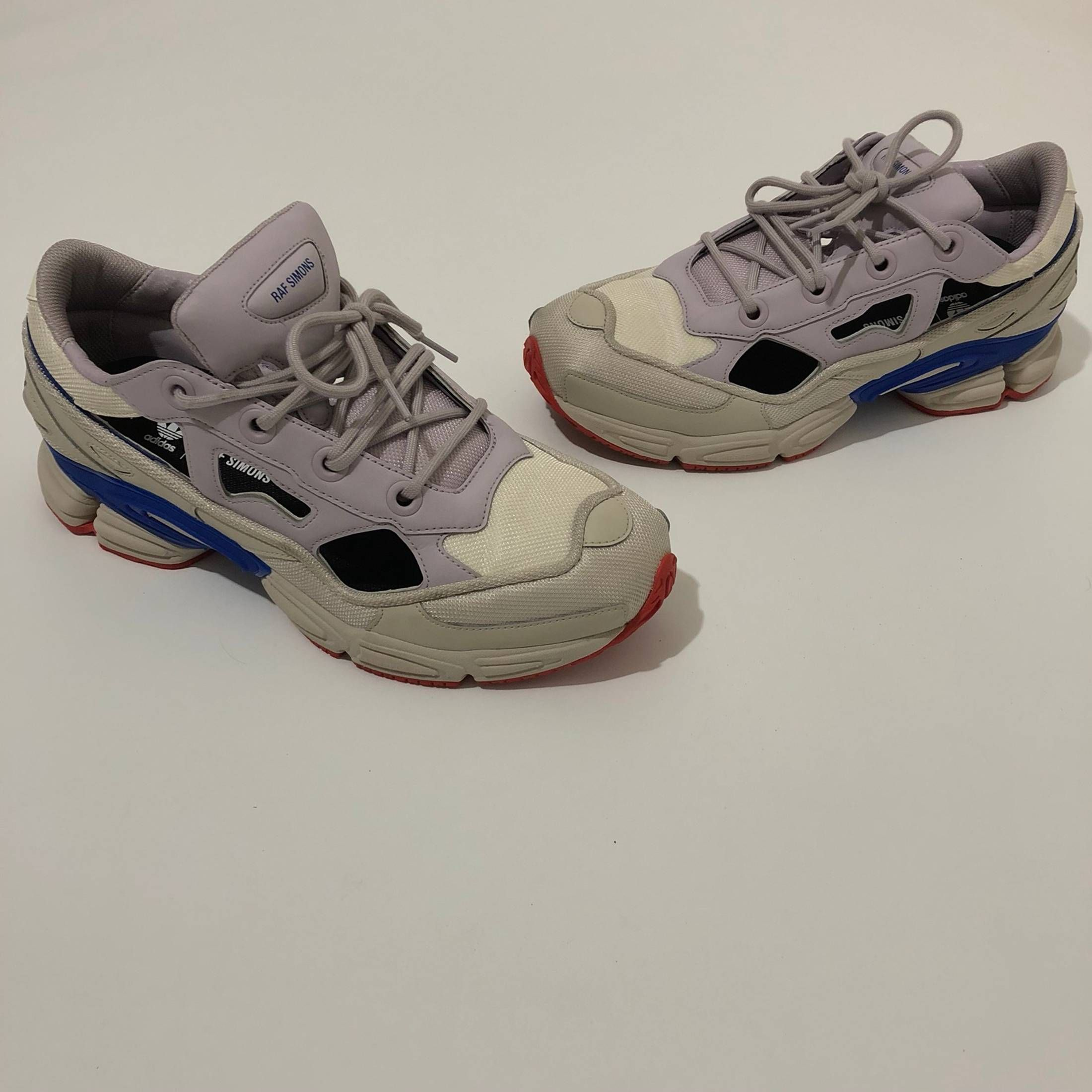 big sale 86ac1 acd30 Adidas x Raf Simons Ozweego III White Talc BB6742 Size 8-13 LIMITED   STYL3Z Guide - Hottest Women  Mens Fashion  Raf simons, Raf simons  sneakers, Adidas