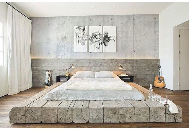 Platform Bed On Recycled Timber Beams Deco Maison Chambre A Coucher Chambre Style Industriel