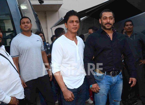 Shah Rukh Khan And Salman Khan S Bromantic Evening Salman Khan Rohit Shetty In This Moment